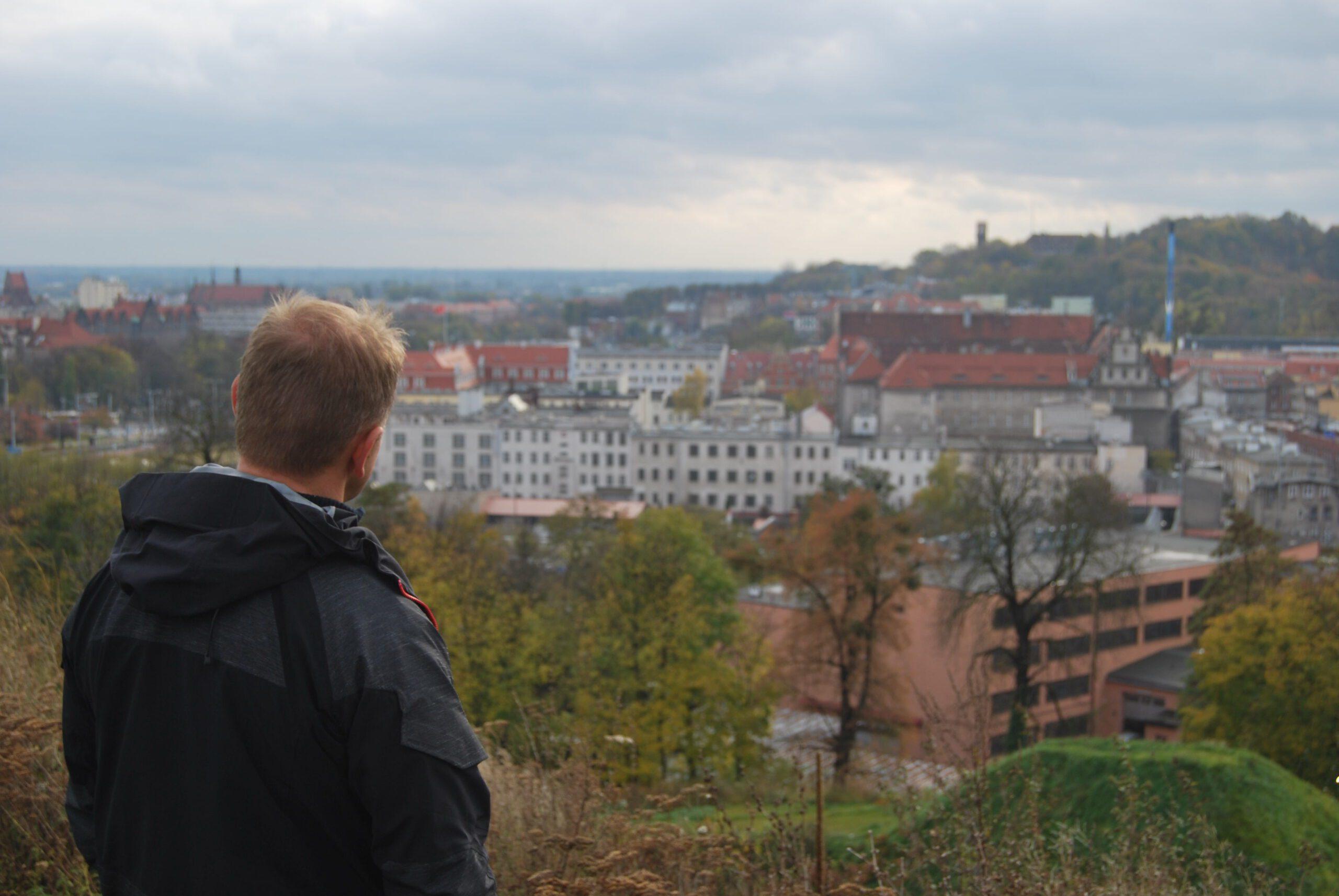 1-dsc_0006-czeslaw-kowalczyk-przed-aresztem-sledczym-w-gdansku-1
