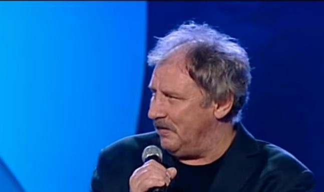 """Andrzej Grabowski to aktor znany przede wszystkim z serialu """"Świat według Kiepskich"""", którego emisja odbywa się w Polsacie od już ponad 20 lat!"""