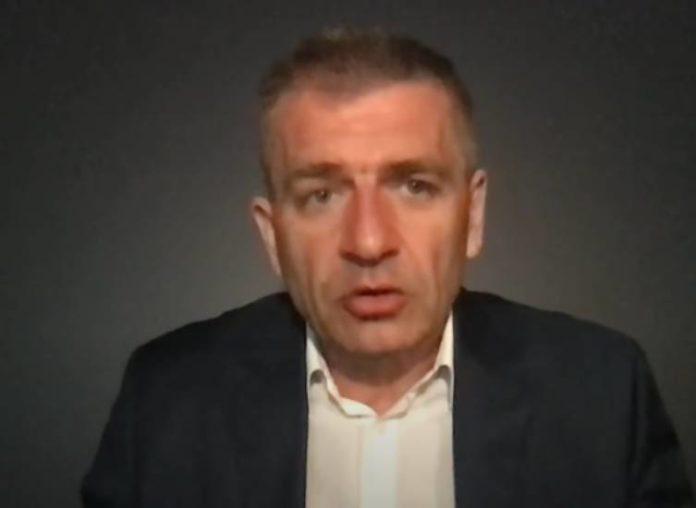 Bartosz Arłukowicz kpi z Szumowskiego