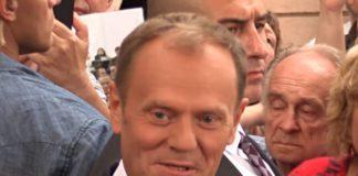 Donald Tusk kpi z Andrzeja Dudy