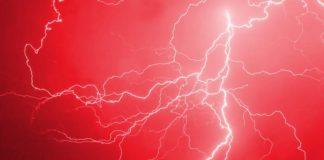 Jak zachować się w trakcie burzy?