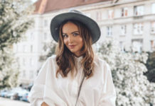 Ania Wendzikowska na rurze