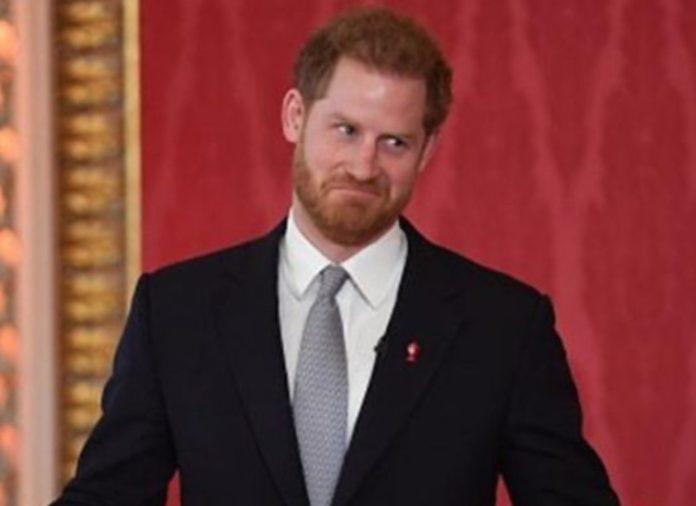 Książę Harry zranił królową
