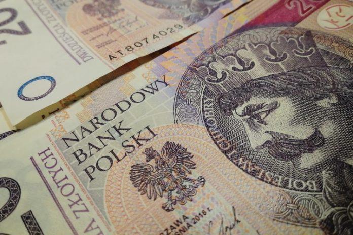 koronawirus na banknotach