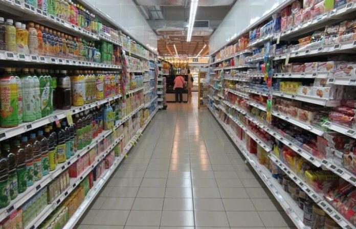 supermarket czynny w niedziele