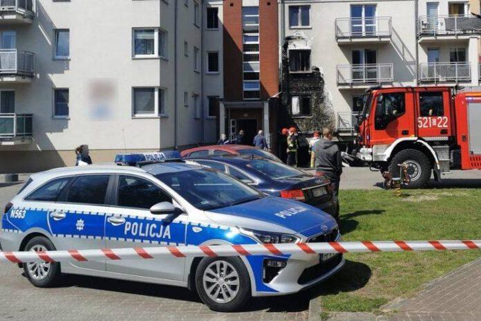 policja bada atak siekierą