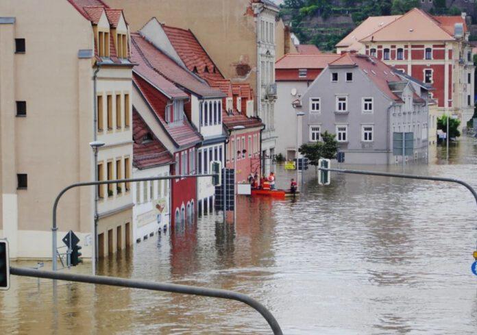 powódź i burze, są ofiary i zaginieni