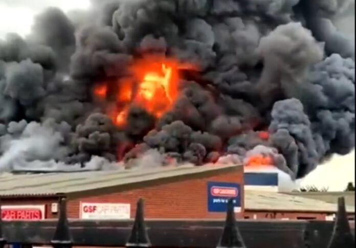 wybuch i pożar na terenie zakładu
