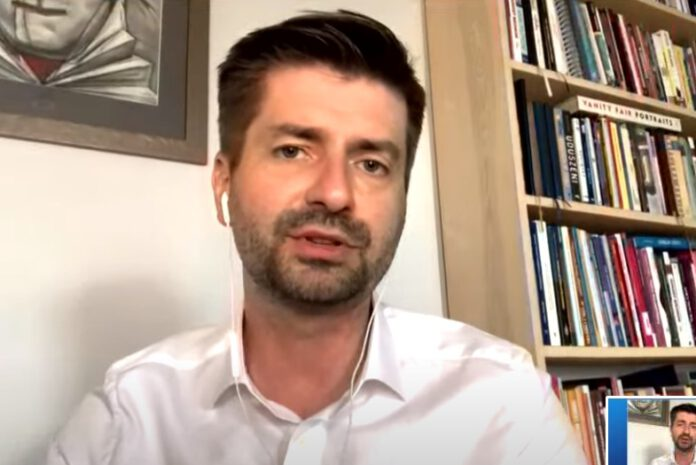 Poseł Krzysztof Śmiszek