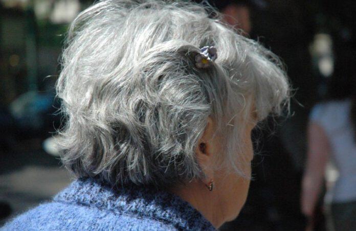 seniorzy pod ostrzałem